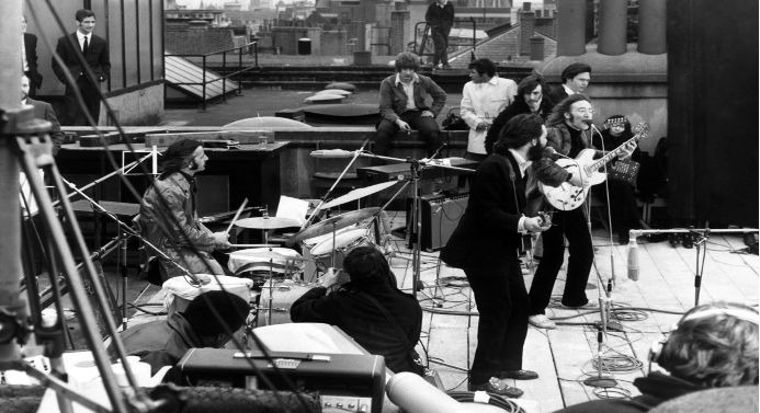 The Beatles performing their last public concert - The 10 best photographs in the history of music